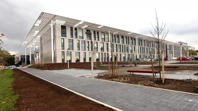 Centre de recherche ELI Beamlines