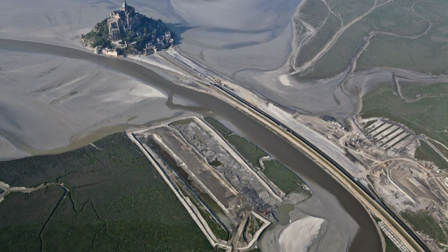 Mont Saint-Michel earthworks