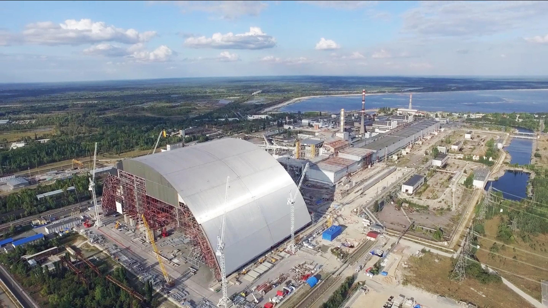 tchernobyl une enceinte de confinement en forme d arche hors normes bouygues construction. Black Bedroom Furniture Sets. Home Design Ideas