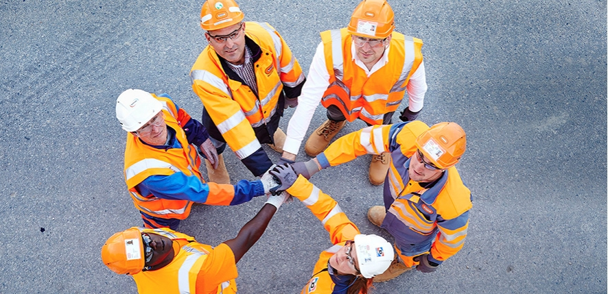 le groupe en action – Bouygues Construction