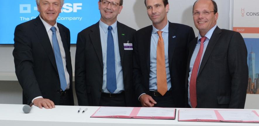 Signature du partenariat entre Bouygues Construction et BASF