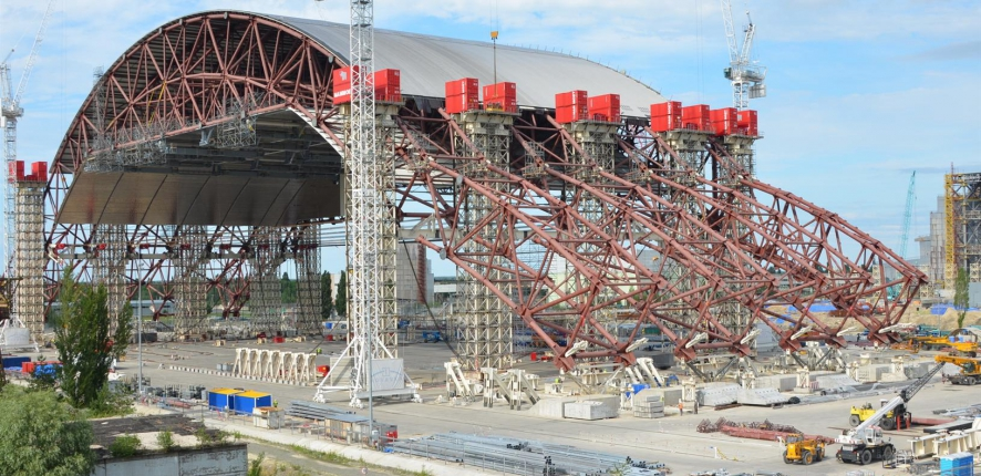 June 2013: Second lifting operation.