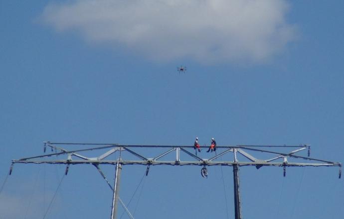 Pose de câble avec drone - Chantier 2Loire Bouygues Construction#3