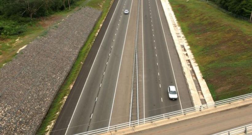 Autoroute Highway 2000