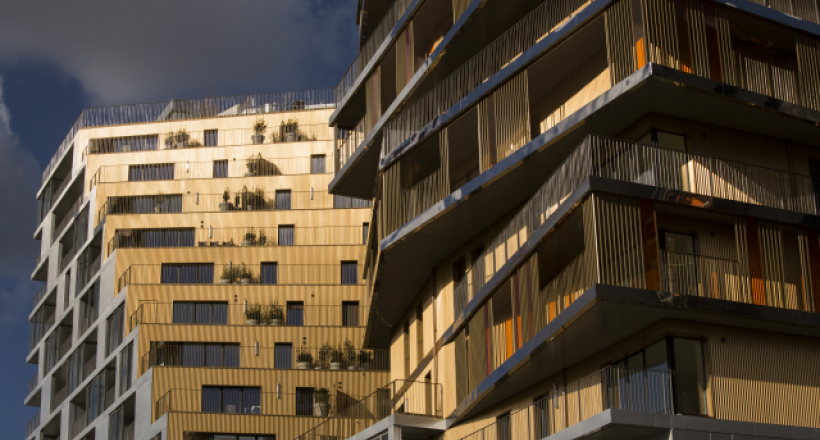 Tour Home à Paris