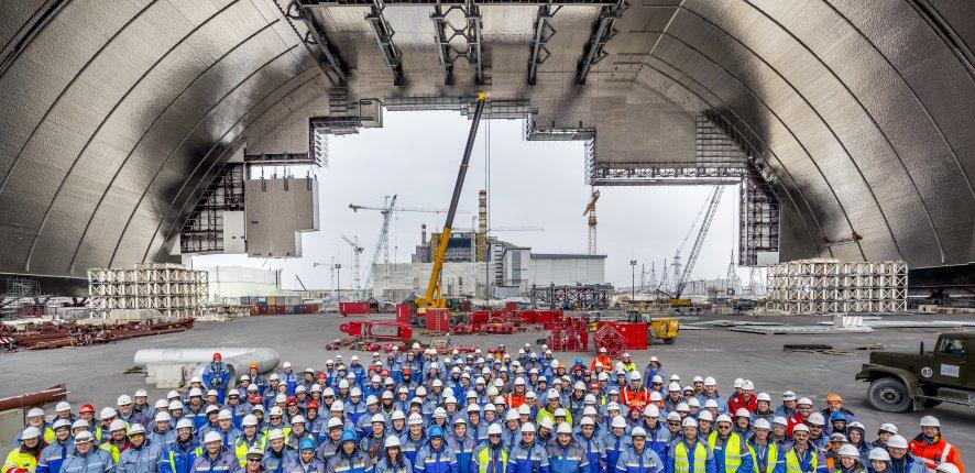 Tchernobyl : une enceinte de confinement en forme d'arche, hors normes
