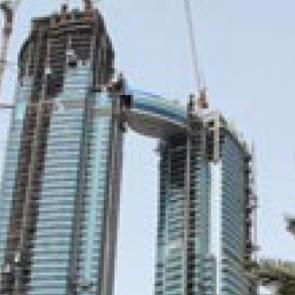 La passerelle des Nations Towers