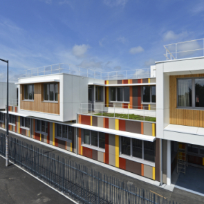 Modular High school in Clisson